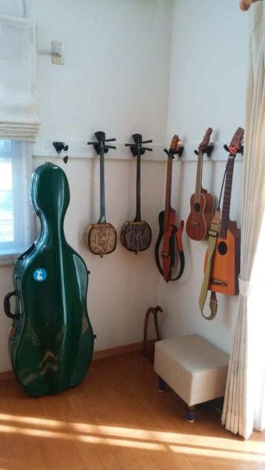 ギターを美しく壁にディスプレイ|リフォーム施工事例(小金井)